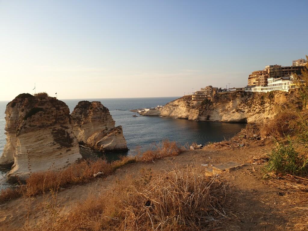 raouche-rocks-golebie-skaly-bejrut