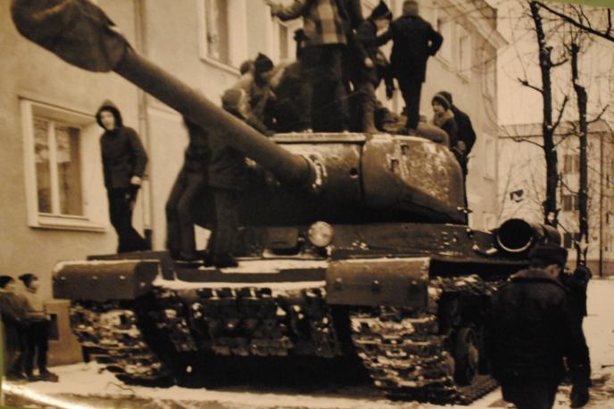 Stare zdjęcie czołgu w Krakowie