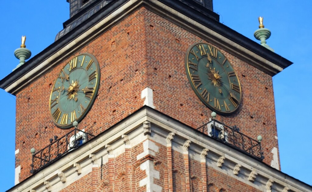 Zegar na wieży ratuszowej